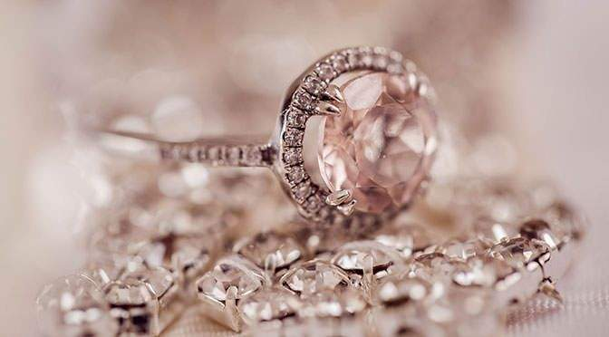 Arrange Your Engagement Around the Perfect Gem