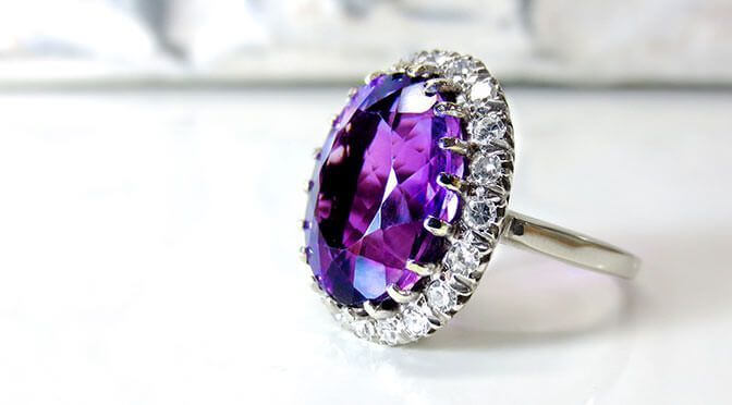 Check-Out-Unique-Gemstone-Engagement-Ring-Trends-for-2017.jpeg